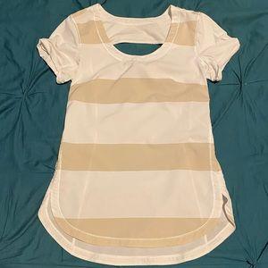 Lululemon T- Shirt